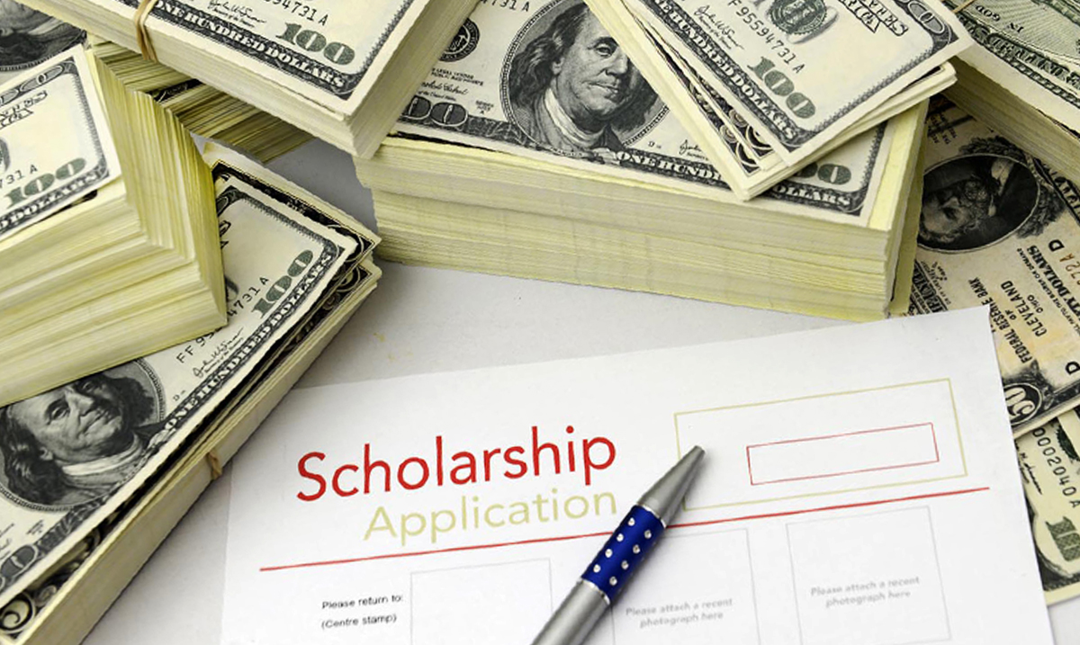 finding scholarships and grants for college